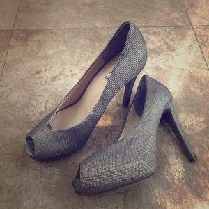 Guess 9.5 Women's Heels
